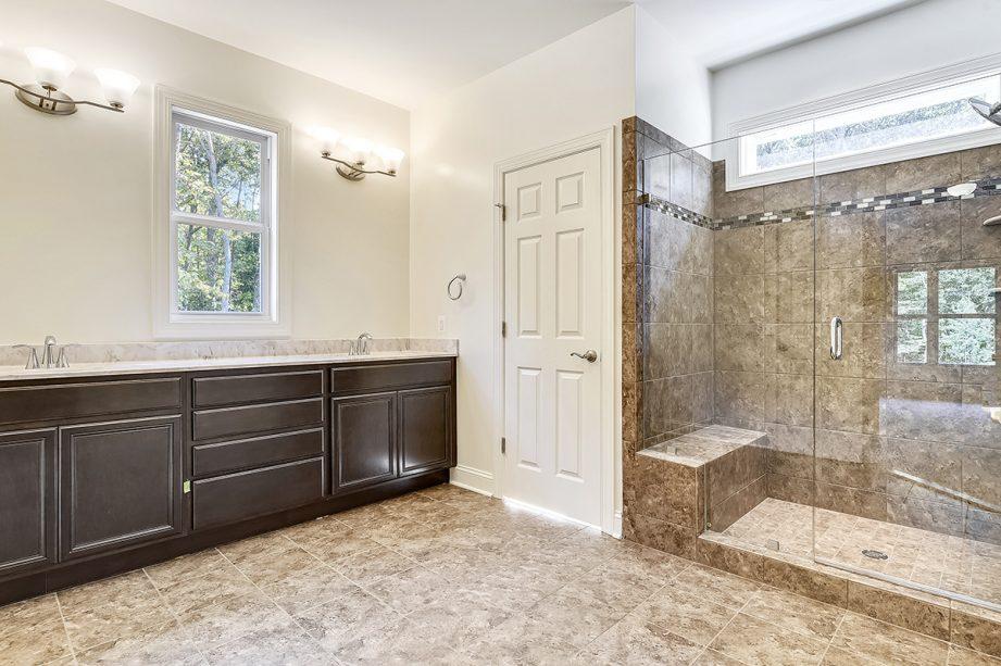 Arlington - Master bathroom