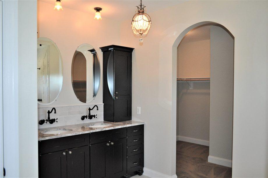 Brunswick - Master bathroom