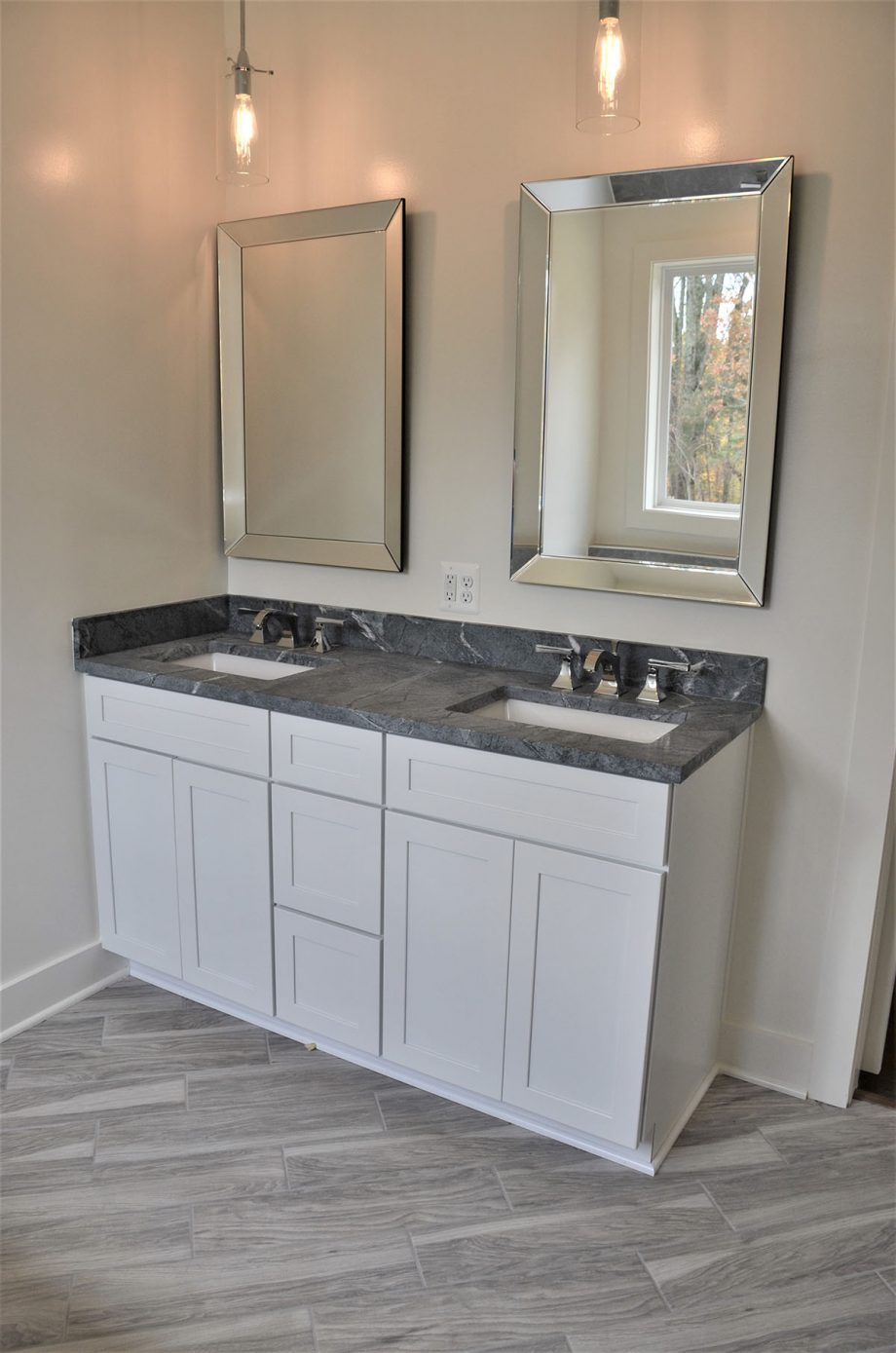 Christal - Master bathroom